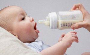 Neonato e latte d'asina